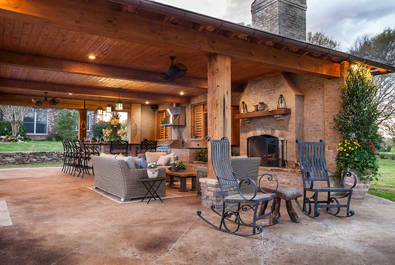 Outdoor kitchen outdoor fireplace swimming pools - Outdoor living spaces with fireplace ...